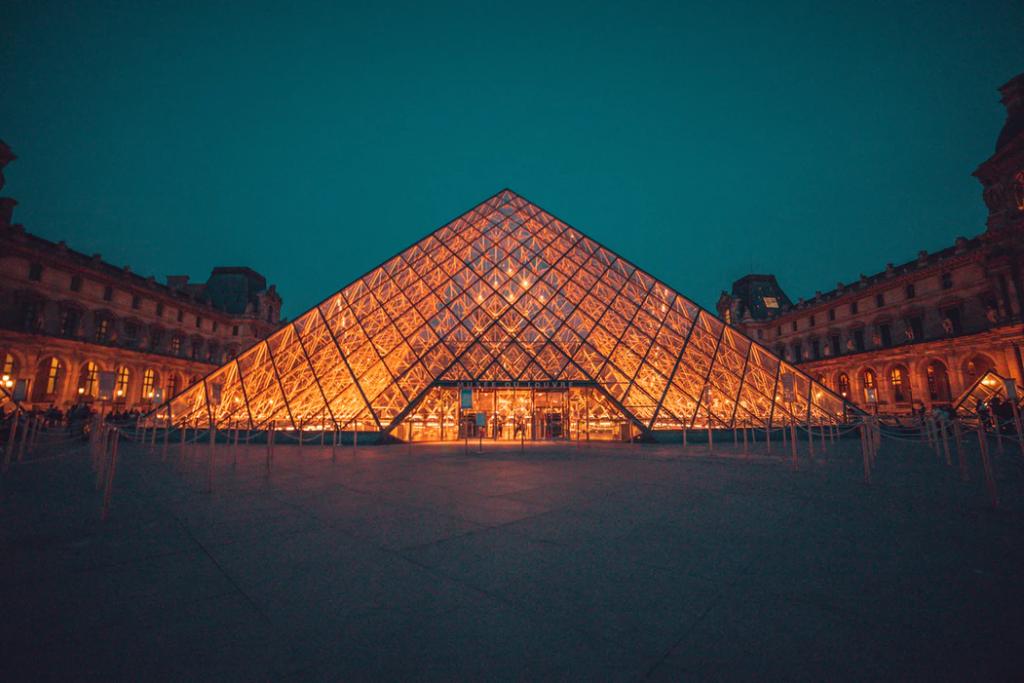 louvre-pyramids